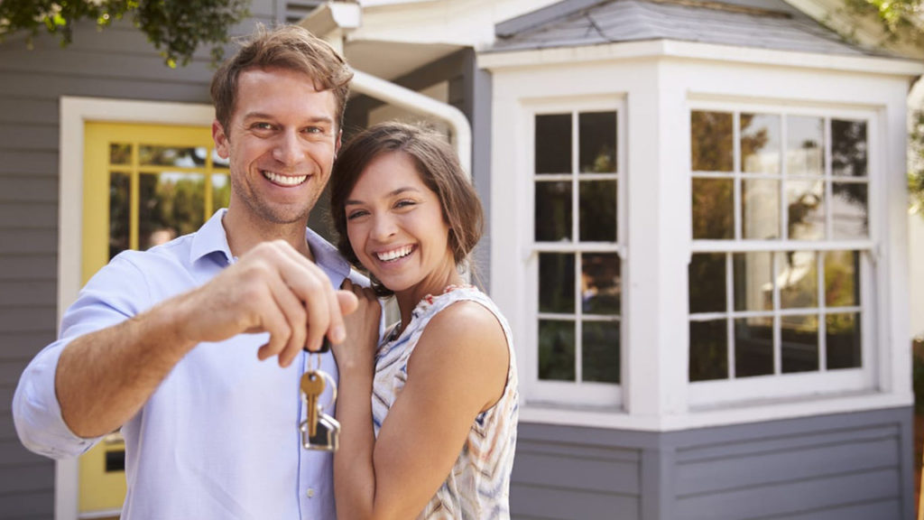 Mortgage Couple with Keys
